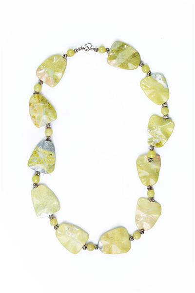 Bended Pale Green Agate Necklace